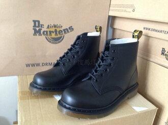 【九十度馬丁管】【線上客服】【兩日到貨】【兩款】【6孔黑色】【黑逢線】【Dr. Martens 】馬丁馬汀靴子