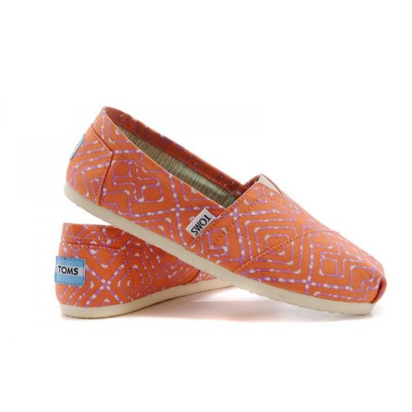 【TOMS】橘紅色幾何條紋平底休閒鞋  Coral Geometric Tie-Dyed Vegan Women's Classics 0