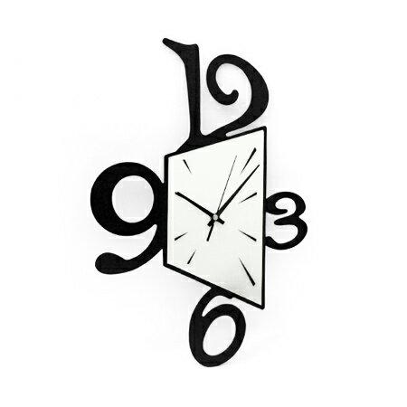 時鐘 個性幾何型狀黑白配色木質掛鐘壁鐘 藝術居家生活 柒彩年代 台灣製造【NE1538】創意家飾 0