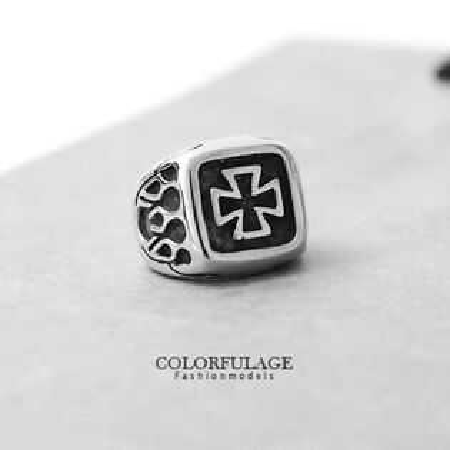戒指 鋼鐵騎士 復古立體十字架流星圖騰造型鋼戒 柒彩年代【NC148】型男專屬單品