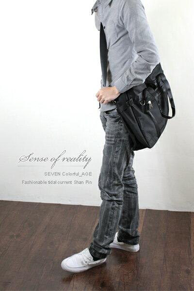 柒彩年代~NZ45~高磅尼龍吉田風格百搭可當側背包 肩背包^~東區型男大容量 ~  好康折