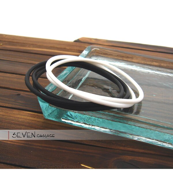 柒彩年代【NA94】塑膠運動手環~黑白夏日最簡約風格.男女都可配戴中性款式.SBL.MLB 0