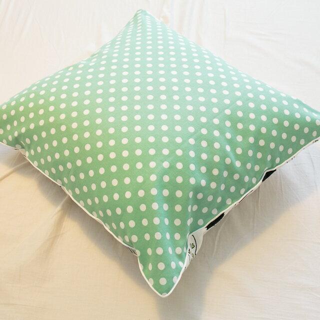青草綠點點抱枕  45cmx45cm 精選素材 復古 純棉 1