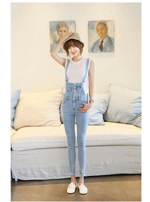 韓國連線韓版縮口褲連身褲 艾爾莎 俏麗修身顯瘦排釦淺色牛仔吊帶褲【TAK2559】 1