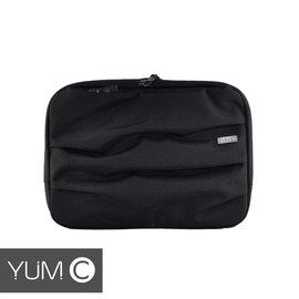 【風雅小舖】【美國Y.U.M.C. Haight城市系列Laptop sleeve13吋筆電包 墨黑】電腦包/保護包/斜肩包 可容納13.3寸筆電/平板