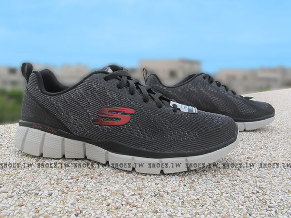 Shoestw【51533CCRD】SKECHERS 健走鞋 Relaxed FIT 記憶泡棉鞋墊 灰黑紅 男款