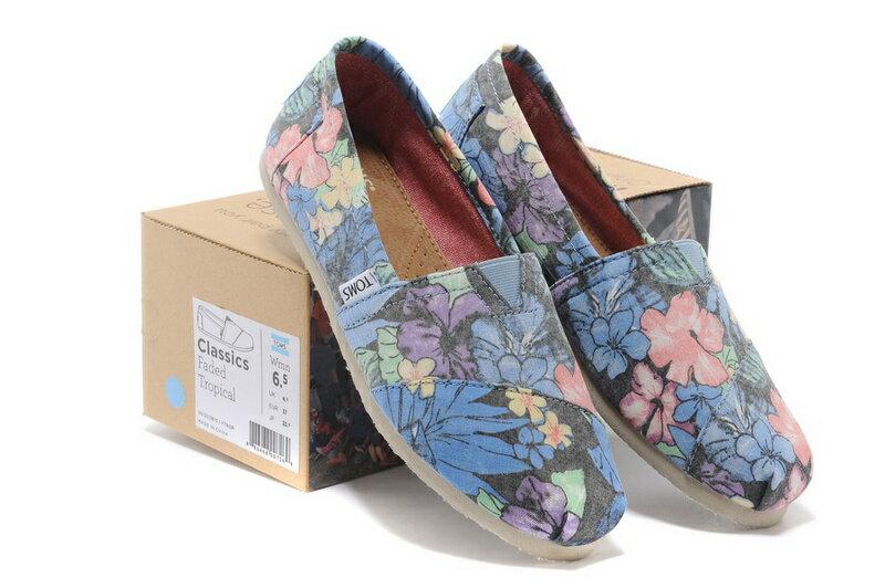 【TOMS】熱帶花朵平底休閒鞋  Faded Tropical Women's Classics 7