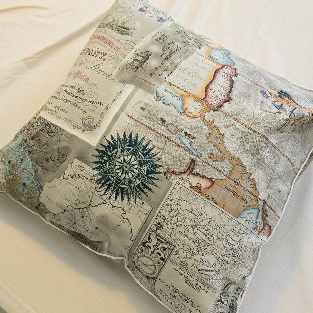 世界地圖抱枕  45cmx45cm 精選素材 復古 純棉 0