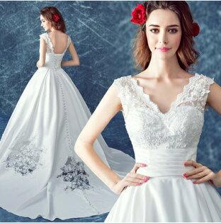 天使嫁衣【AE103】白色蕾絲V領拖尾裙擺勾花白紗禮服-預購訂製款