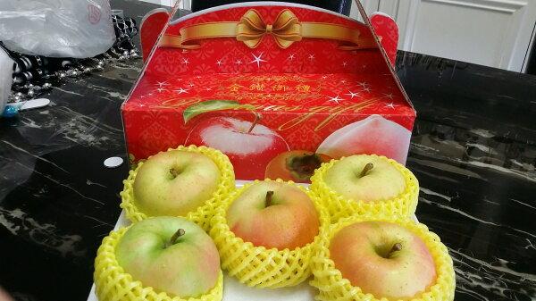 【嘉慶嚴選】日本進口青森拓季トキ(Toki)蘋果 5顆禮盒裝(32顆原裝箱等級)  特惠價600元