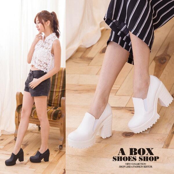 格子舖*【KD7801A】*限時免運*MIT台灣製 簡約休閒透氣皮革 前5後9.5CM粗高跟鬆緊懶人鞋 踝靴 2色