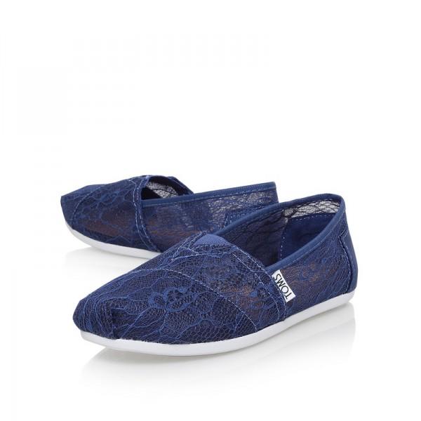 【TOMS】深藍色新款蕾絲平底休閒鞋  Navy Lace Women's Classics 4