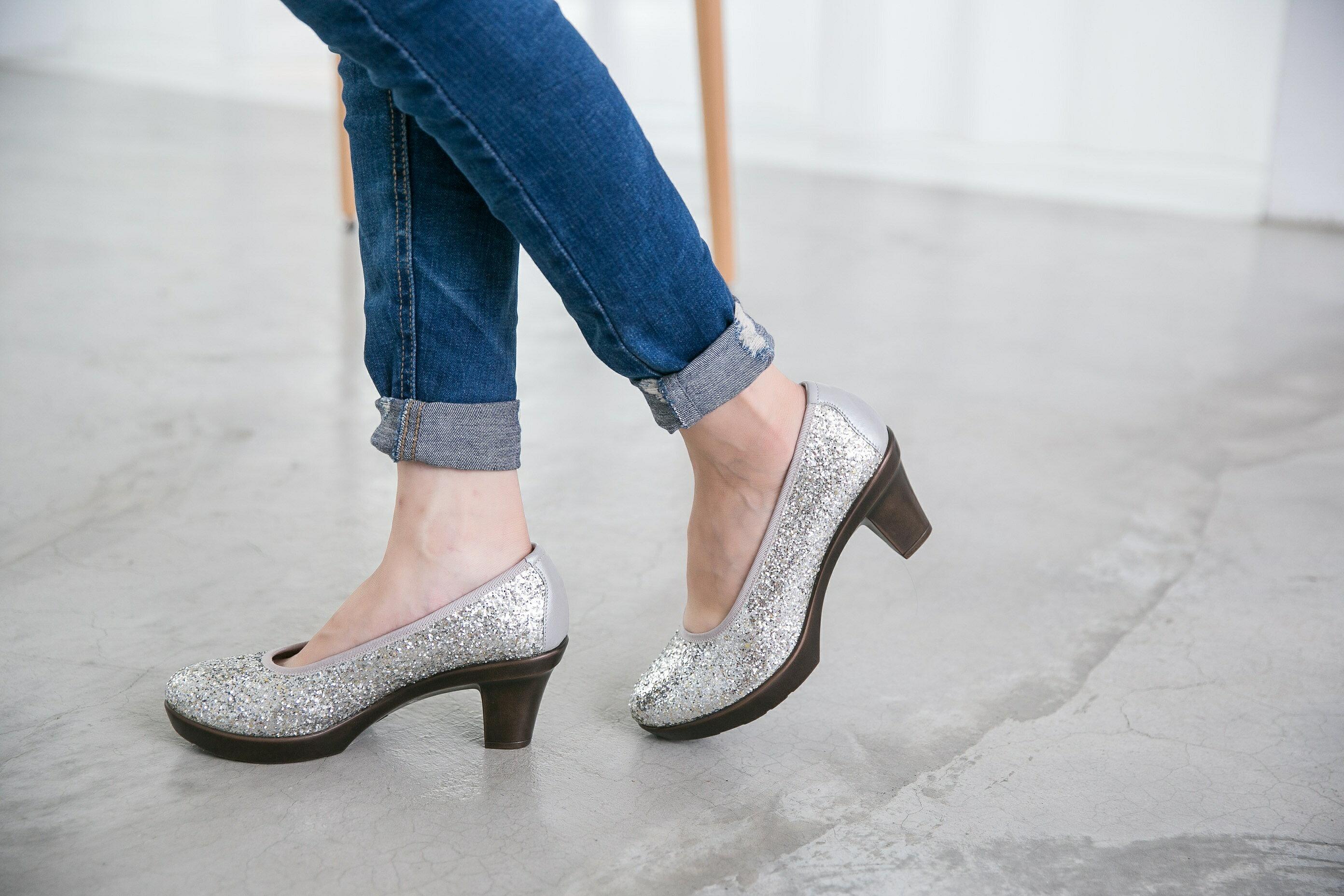 Aimez La Vie 舒適跟鞋 閃閃亮鑽約會Party厚底中跟鞋 1