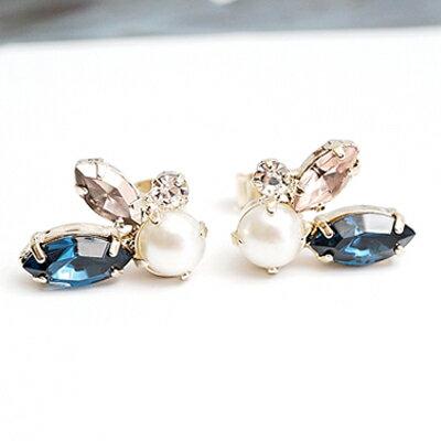 〔APM飾品〕 Kaza 永恆光幻水晶之翼耳環(抗過敏) ~  好康折扣
