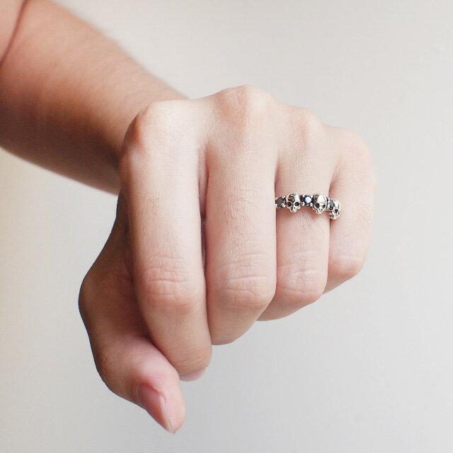 【海外訂購】【KONRON】閃亮骷髏甜美個性純銀戒指-白色(KRR0590-cz-cl) 3