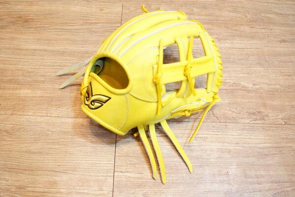 棒球世界 全新日本品牌Glom棒球手套 美國小牛皮 店家訂製款 特價 十字檔 12吋 淡黃色
