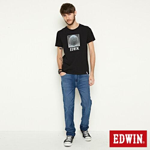 【網路限定款。9折優惠↘】EDWIN 3D裸視E字 短袖T恤-男款 黑色【單筆2000結帳輸入優惠券代碼161028。現折240元】 3