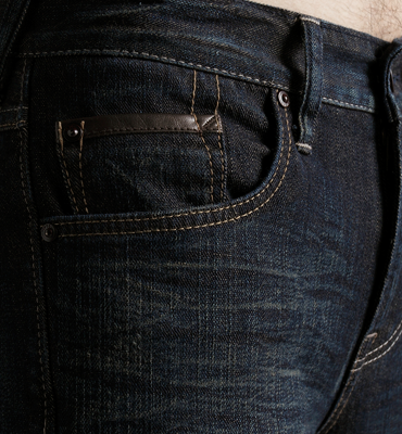 【週年慶。8折優惠↘】EDWIN EDGE LINE 雙口袋窄管褲 - 男款 原藍磨【單筆2000結帳輸入優惠券代碼161028。現折240元】 2