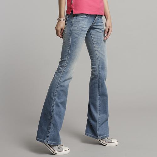 【990元優惠↘】Miss EDWIN 袋蓋靴型牛仔褲 女款 漂淺藍 0