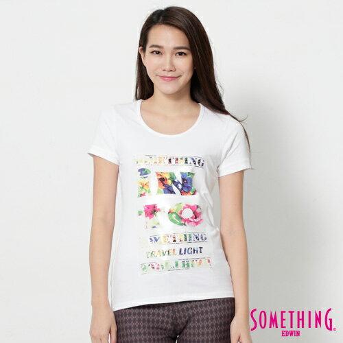 【週年慶。8折優惠↘】SOMETHING 花卉文字相版 合身U領T恤-女款 白色 0