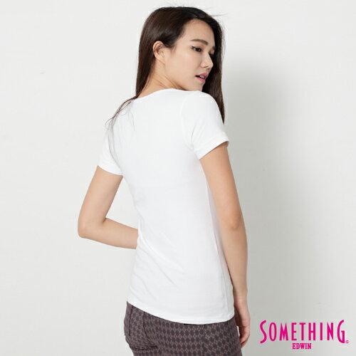 【週年慶。8折優惠↘】SOMETHING 花卉文字相版 合身U領T恤-女款 白色 1