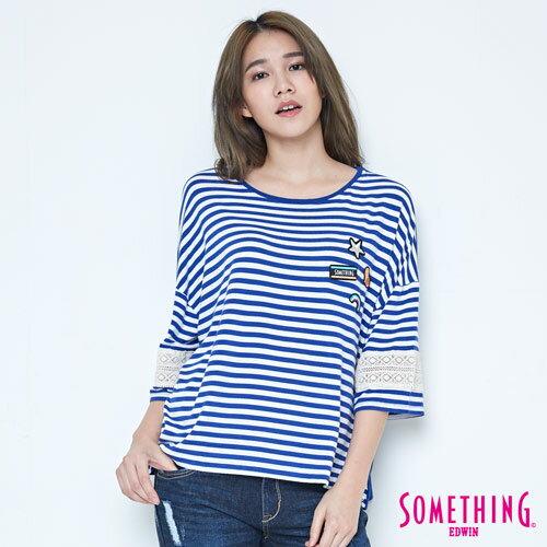 【週年慶。8折優惠↘】SOMETHING 童趣貼標 蕾絲橫條T恤 -女款 藍色 0