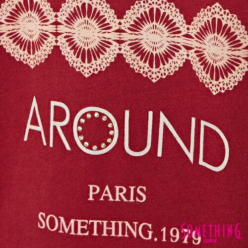 【週年慶。8折優惠↘】SOMETHING  復古印花 寬版T恤-女款 暗紅 4