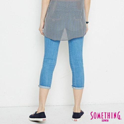 【週年慶。8折優惠↘】SOMETHING CELEB 破壞補釘 合身七分牛仔褲 -女款 石洗藍 1