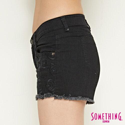 【週年慶。8折優惠↘】SOMETHING 玫瑰繡花 牛仔短褲-女款 黑色 6