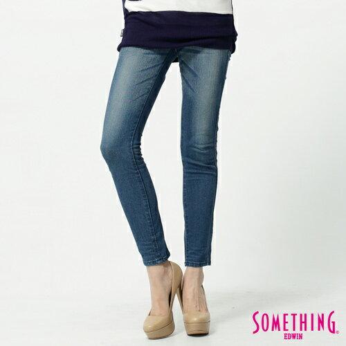 【獨家首降!990元優惠↘】SOMETHING STORY 3 塑腿超窄直筒褲 女款 拔淺藍 0