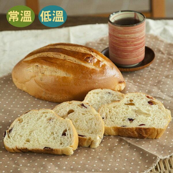 [蕃薯藤]鮮奶蔓越莓哈斯麵包(T-W/C)以自製的天然酵母發酵的麵包,樸實Q軟,淡淡奶香加上蔓越莓的微酸甜,是款輕食風味的麵包
