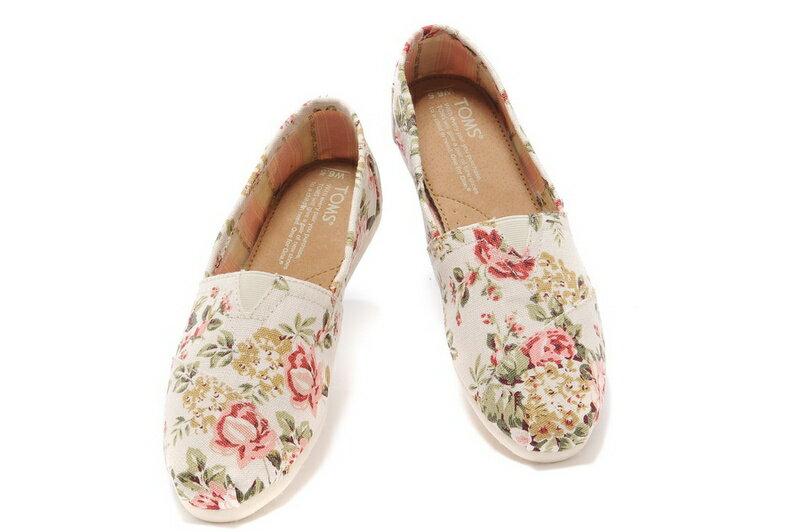 [女款] 國外代購TOMS 帆布鞋/懶人鞋/休閒鞋/至尊鞋 帆布系列  薔薇花米白 3