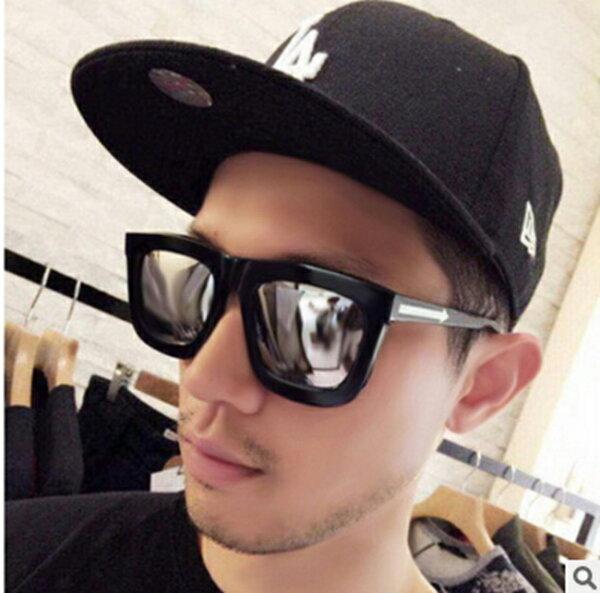 50%OFF【J011483Gls】新款大方框箭頭太陽鏡 時尚彩膜太陽眼鏡復古反光墨鏡潮5069附眼鏡盒