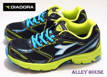 【巷子屋】義大利國寶鞋-DIADORA迪亞多納 男款四大機能超輕量寬楦運動慢跑鞋 [8525] 黑綠 超值價$690
