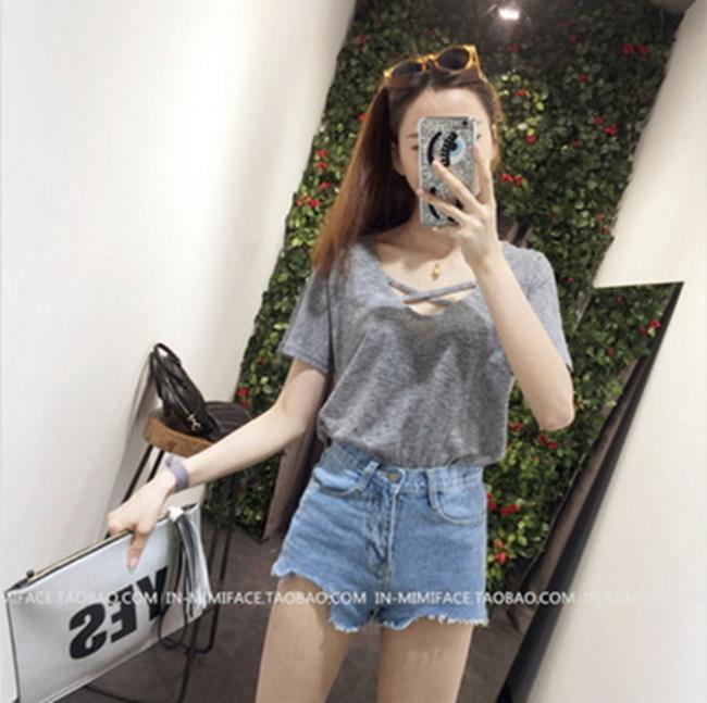 50^%OFF~G013689C~夏裝 女裝 交叉領短袖t恤女簡約寬鬆休閒純色上衣 ~