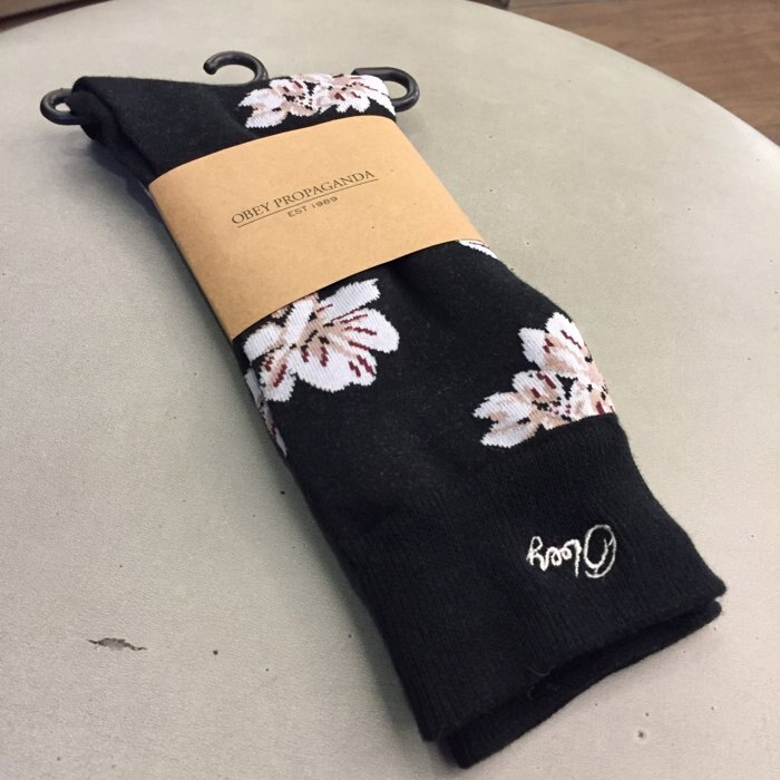 BEETLE PLUS 西門町經銷 全新 美國品牌 OBEY IN BLOOM SOCKS 花卉 杜鵑花 黑 中筒襪 長筒襪 200260009CKO OB-245 0