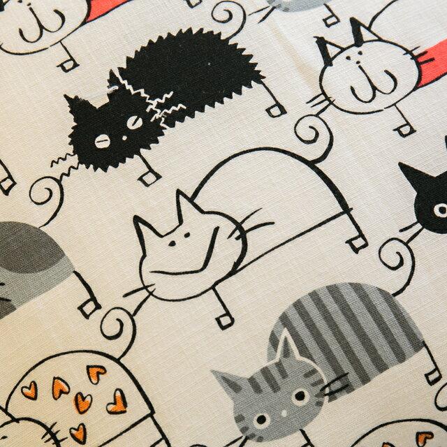 好幾隻小貓貓抱枕  45cmx45cm 精選素材 復古 純棉 2