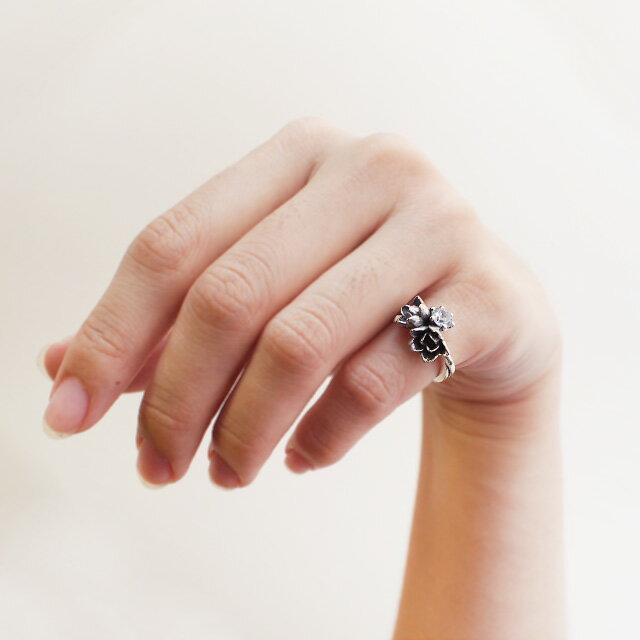 【海外訂購】【KONRON】小公主花朵寶石純銀戒指-白色(KRR0523-Cz-Clear) 2