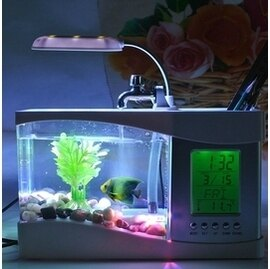 【多功能電子魚缸-長20.7*寬9.8*高14CM-1個/組】集魚缸 台燈 萬年曆 筆筒 水循環等功能于一身-7721002