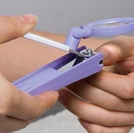 【指甲鉗放大鏡-1.5倍】放大鏡帶指甲鉗  老人用品-7801006