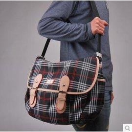【外出便攜包-蘇格蘭風格香檳-大號-392131】寵物袋 外出攜帶包 狗狗背包 貓咪單肩斜跨包,L39*W21*H31cm-79011