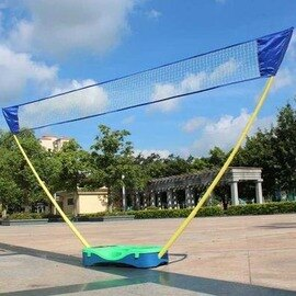 【可?式羽毛球網架-全套組-塑膠底座+PE網- 網寬3米*高1.55米-1套/組】(含底座*1、撐杆*2、網*1、球*3、球拍*2)-56007