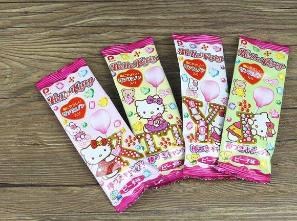 有樂町進口食品 日本 Pine派恩 凱蒂貓棒棒糖 水蜜桃 30隻入(盒) 4902435000760 1