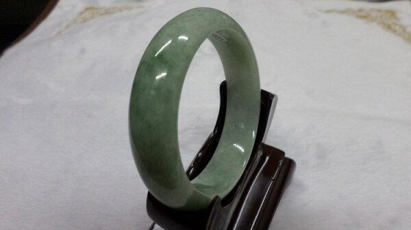 【翡翠淘寶坊】手環.玉鐲w2026/豆種  18.5圍  寬13mm