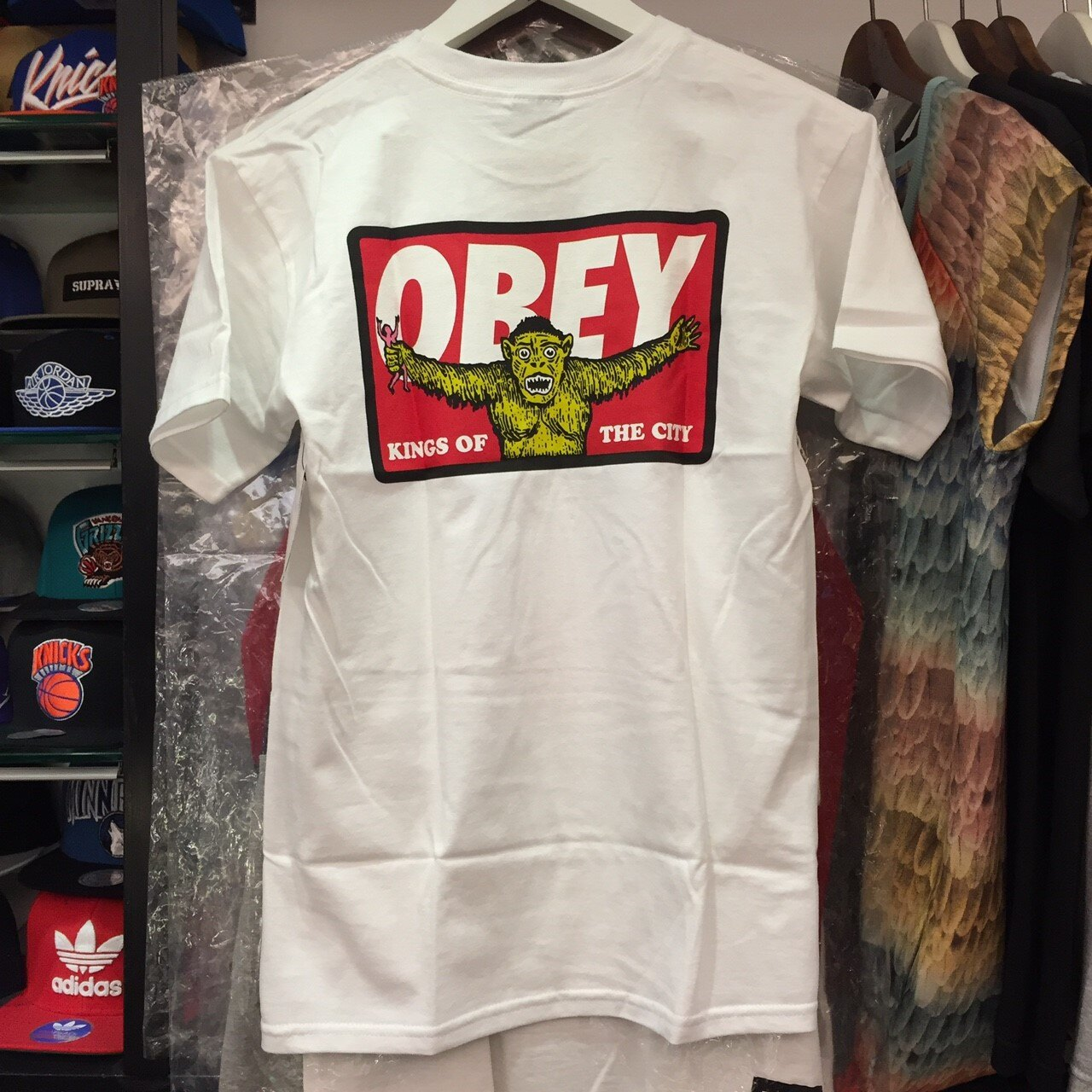 BEETLE OBEY KINGS OF THE CITY 城市之王 全白 紅字 LOGO 短T TEE OB-415 163081152WHT 2