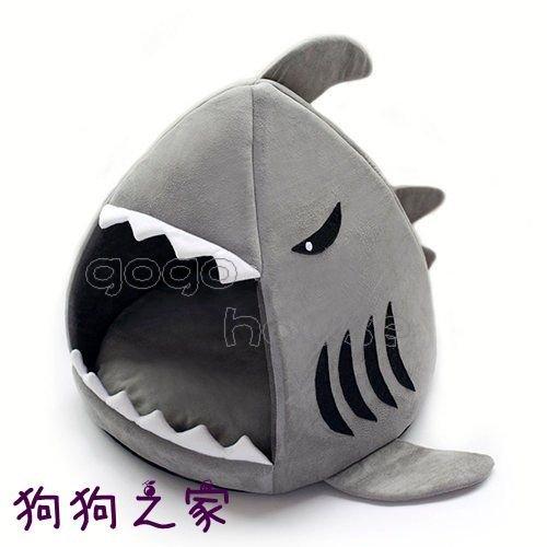 ☆狗狗之家☆日本Kojima 正品 新款 尖頭 鯊魚造型寵物睡窩~小(適2.5公斤以下)