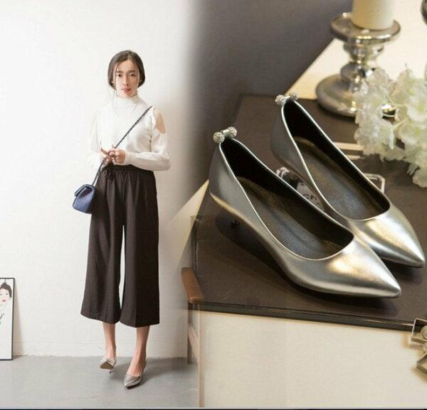 【Pyf】金屬色 細跟尖頭鞋 舒適低跟 金 銀 42 43 中大尺碼女鞋