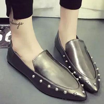 平底鞋 明星最愛質感鉚釘尖頭平底鞋【S1500】☆雙兒網☆ 1