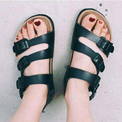涼鞋 韓版復古街拍三排扣羅馬軟木涼鞋【S921】☆雙兒網☆