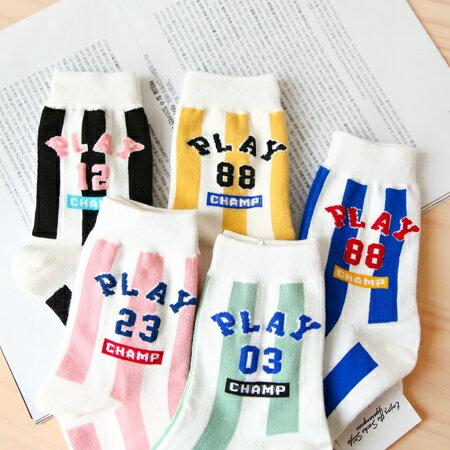 韓國 PLAY英文棉質直條短襪 數字 襪子 百搭 四分襪 中筒襪 造型襪 流行襪【N201413】